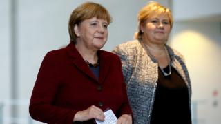 H Mέρκελ φοβάται κυβερνοεπίθεση από τη Ρωσία στις εκλογές του 2017