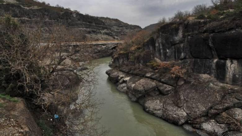 Κατέρρευσε γέφυρα στα Ιωάννινα λόγω βροχοπτώσεων