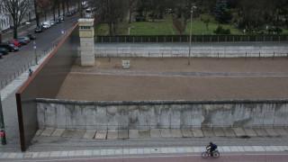 """Τάκης Τουλιάτος: """"Η πτώση του τείχους μου γκρέμισε τη ζωή και το όνειρο"""""""