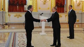 Πεπεισμένος για την περαιτέρω ανάπτυξη των ελληνορωσικών σχέσεων, δηλώνει ο Πούτιν