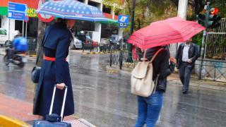 Καιρός: Πτώση της θερμοκρασίας με βροχές και καταιγίδες