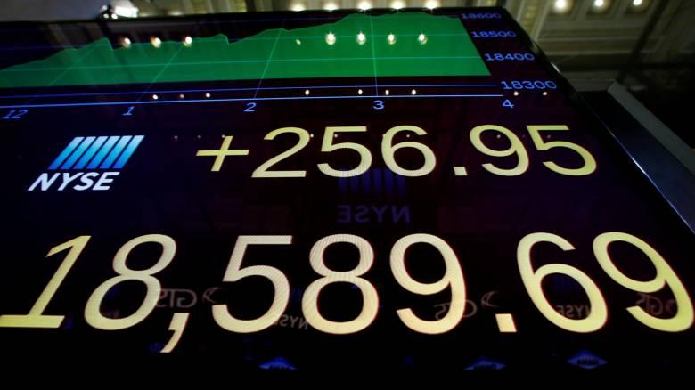 Πρόεδρος ΗΠΑ: Καλπάζει ο Dow Jones