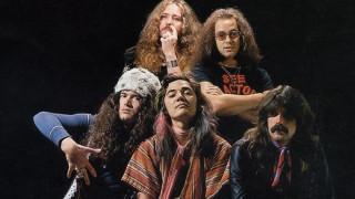 Η απίθανη ιστορία πίσω από το Smoke on the Water των Deep Purple (pics & vid)