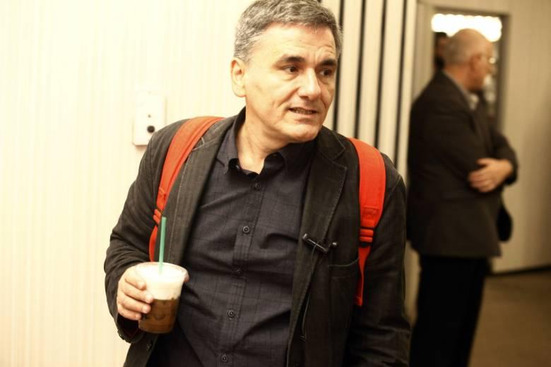 E. Τσακαλώτος: Ελλάδα και ΔΝΤ θέλουν καθαρό διάδρομο για το χρέος