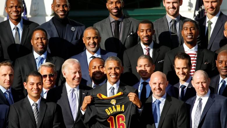ΝΒΑ: ο Πρόεδρος Ομπάμα υποδέχθηκε στον Λευκό Οίκο τους πρωταθλητές του NBA Κλίβελαντ Κάβαλιερς