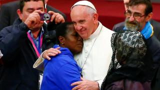 Ο Πάπας ζήτησε συγγνώμη από τους άστεγους