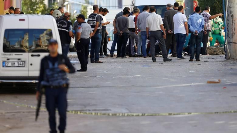 Γάλλος δημοσιογράφος κρατείται από την τουρκική αστυνομία για ρεπορτάζ στη νοτιοανατολική Τουρκία