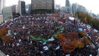 500.000 Νοτιοκορεάτες ζήτησαν την παραίτηση της «διεφθαρμένης προέδρου» (pics)