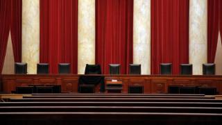 Οι ερωτήσεις δικαστή σε δίκη για βιασμό ξεσήκωσαν θύελλα αντιδράσεων