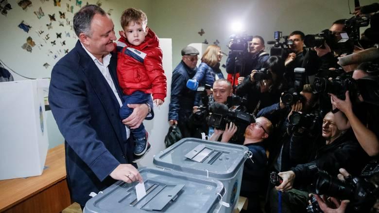 Μολδαβία: Ο φιλορώσος υποψήφιος προηγείται στις προεδρικές εκλογές