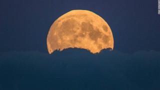 Υπερπανσέληνος: Απόψε το εντυπωσιακότερο φεγγάρι των τελευταίων 70 ετών