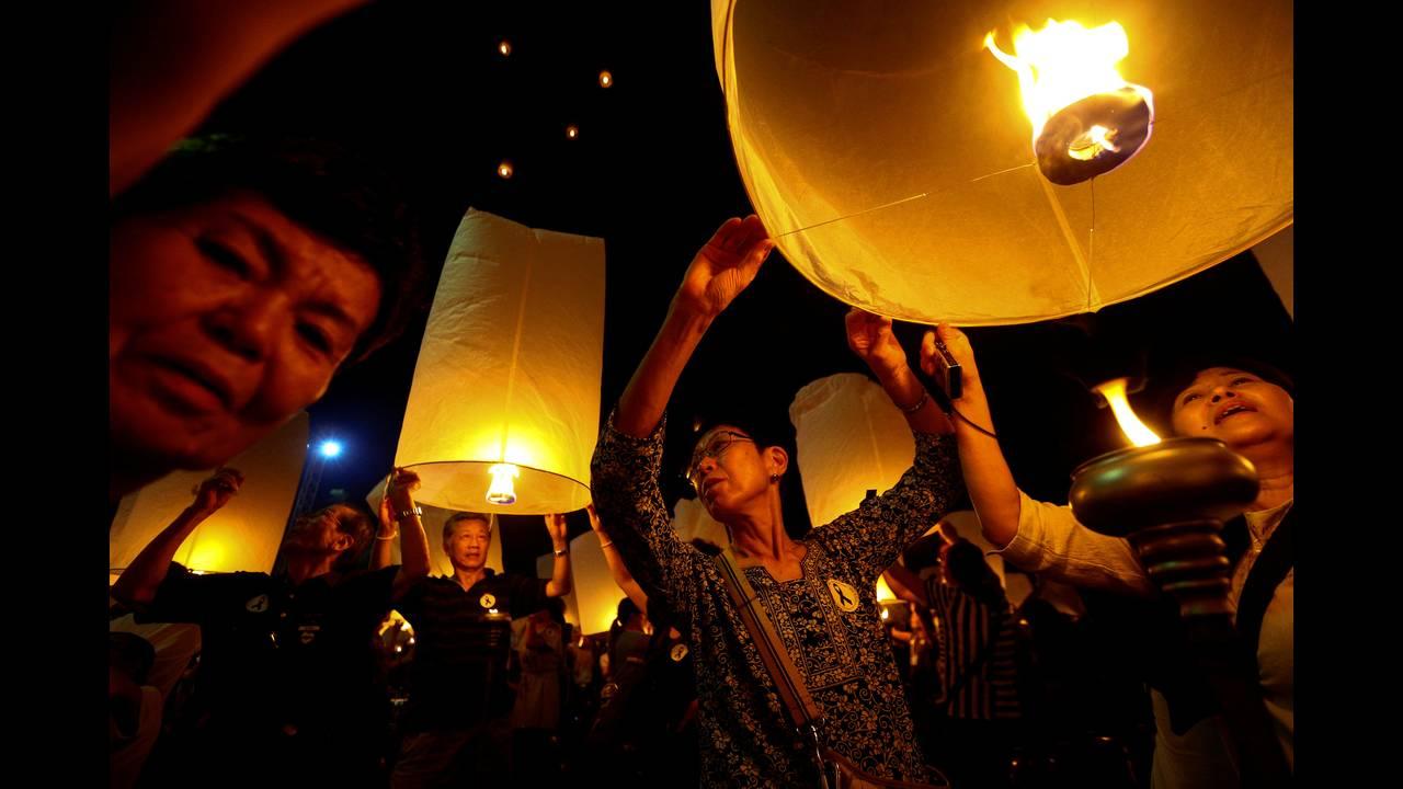 https://cdn.cnngreece.gr/media/news/2016/11/14/54510/photos/snapshot/THAILAND-FESTIVAL-REUTERSAthit-Perawongmetha1.jpg