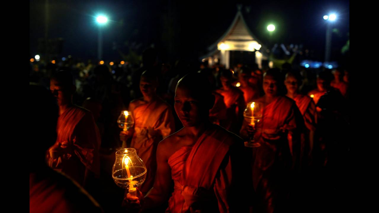 https://cdn.cnngreece.gr/media/news/2016/11/14/54510/photos/snapshot/THAILAND-FESTIVAL-REUTERSAthit-Perawongmetha5.jpg