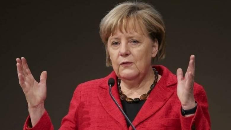 Η Μέρκελ καλεί τους Γερμανούς να παραμείνουν «ανοιχτόμυαλοι»