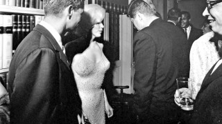 Στο σφυρί το ιστορικό «γυμνό» φόρεμα της Μέριλιν Μονρόε που αποπλάνησε τον JFK