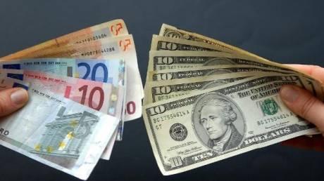 Σύντομα στο 1 προς 1 η ισοτιμία ευρώ - δολαρίου