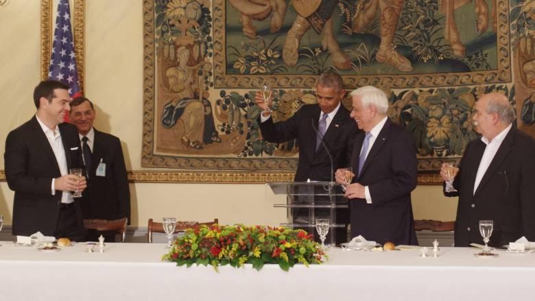 Το παρασκήνιο της επίσκεψης Ομπάμα: Ο Μίκης, ο Ελύτης, ο Τζον Λένον και η βέρα που… χάθηκε (pics)
