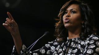 Παραιτήθηκε η δήμαρχος που επιδοκίμασε τα ρατσιστικά σχόλια για την Μισέλ Ομπάμα