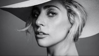 «Η γυναίκα σήμερα είναι πολεμιστής». Το μανιφέστο της Lady Gaga στο Harper's Bazaar