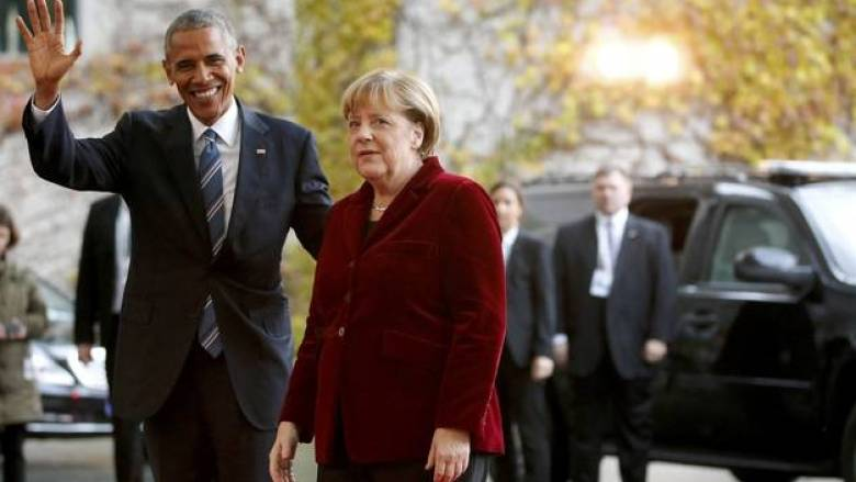 Με ένα φιλί στο μάγουλο υποδέχθηκε η Μέρκελ τον Ομπάμα (vid)