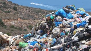 2.000 τόνοι σκουπιδιών έχουν «πνίξει» τη Ζάκυνθο