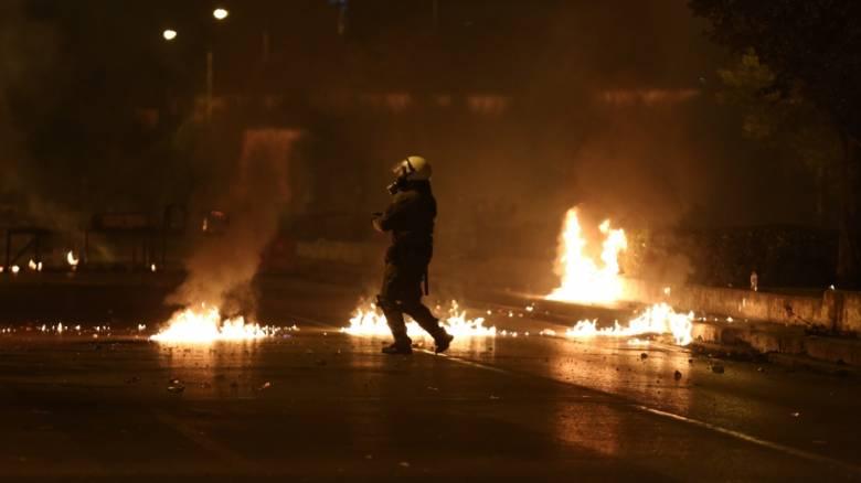 Πολυτεχνείο: Νέα συγκλονιστικά βίντεο από τις μολότοφ στη Θεσσαλονίκη