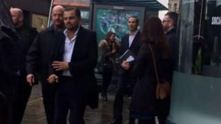 Ο Ντι Κάπριο σε καφέ του Εδιμβούργου στηρίζει τους άστεγους (pics)