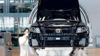 Volkswagen: Θα απολύσει 30.000 εργαζομένους έως το 2021