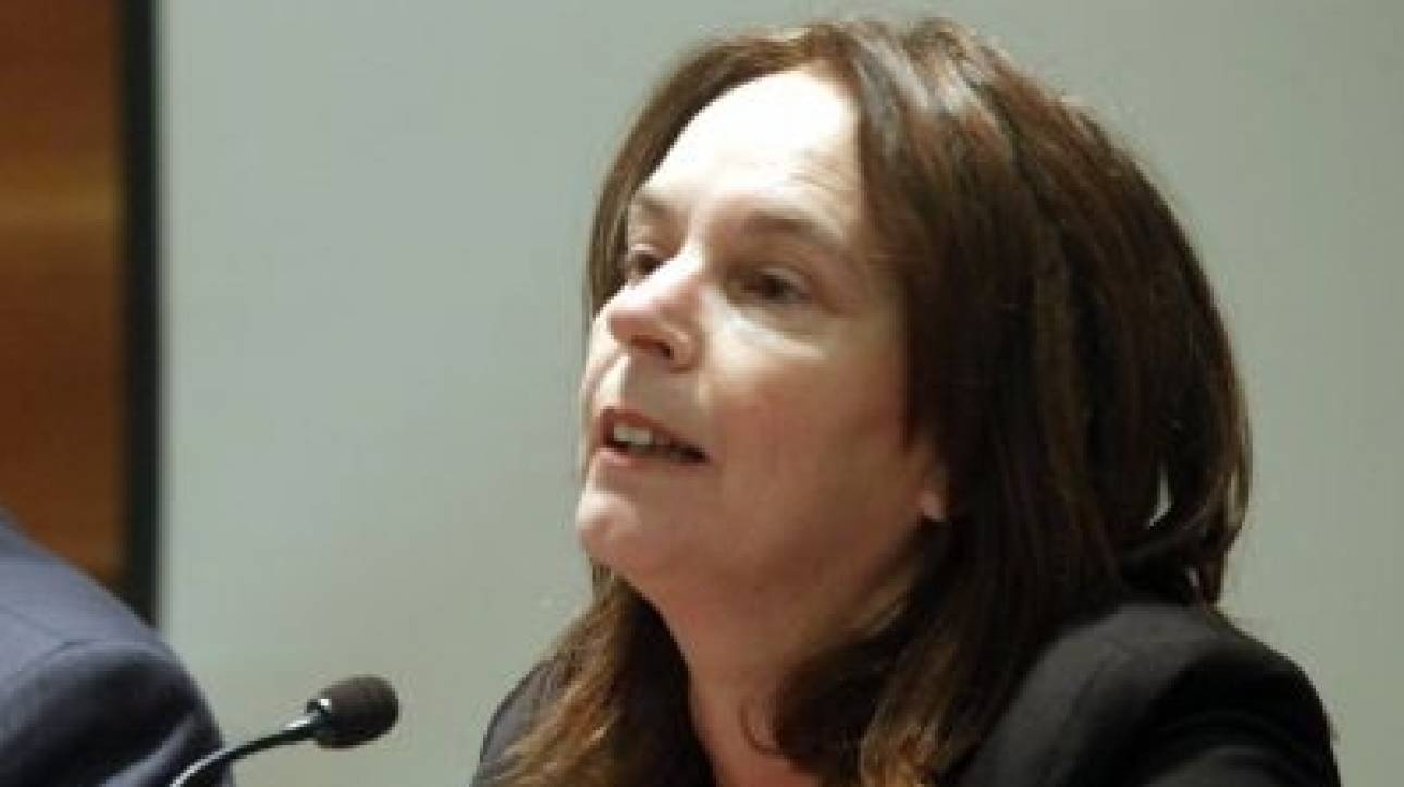 Παπανάτσιου: Πρέπει να δούμε ξανά το θέμα των κατασχέσεων για χρέη άνω των 500 ευρώ