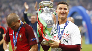 EURO 2016: η συγκλονιστική ομιλία του Κριστιάνο από τα αποδυτήρια μετά την κατάκτηση του τροπαίου