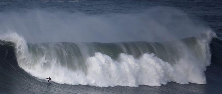 2016 11 19T210025Z 384798646 S1AEUNUJLXAA RTRMADP 3 PORTUGAL SURF