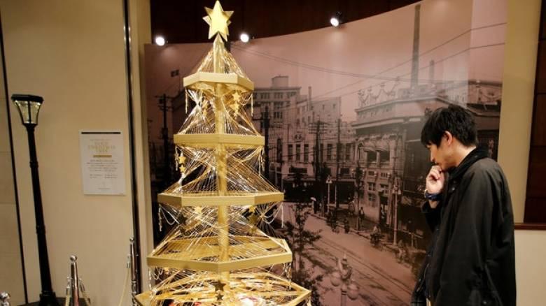 Τόκιο: Χριστουγεννιάτικο δέντρο από ατόφιο χρυσάφι ζητά αγοραστή
