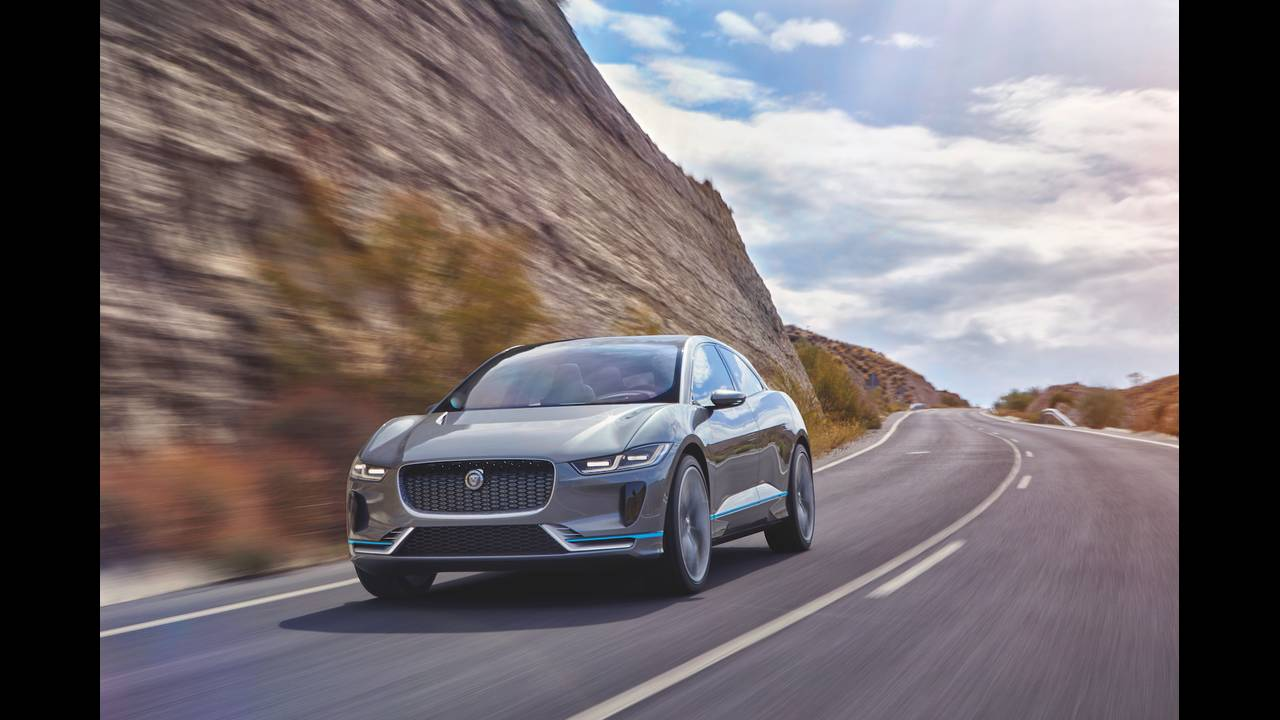 https://cdn.cnngreece.gr/media/news/2016/11/21/55411/photos/snapshot/Jaguar-ipace-1.jpg