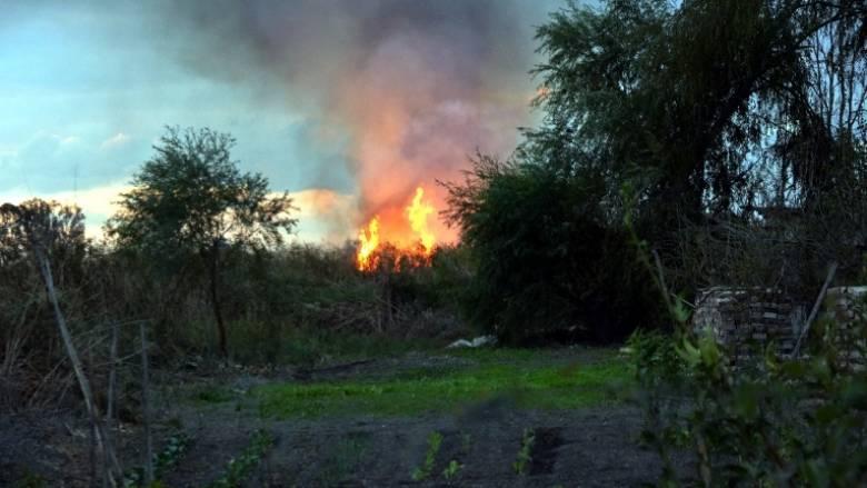 Επιχείρηση της Πυροσβεστικής για κατάσβεση φωτιάς στο Μαρκόπουλο