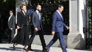 Οι δανειστές φεύγουν, τα ανοιχτά μέτωπα παραμένουν για την κυβέρνηση