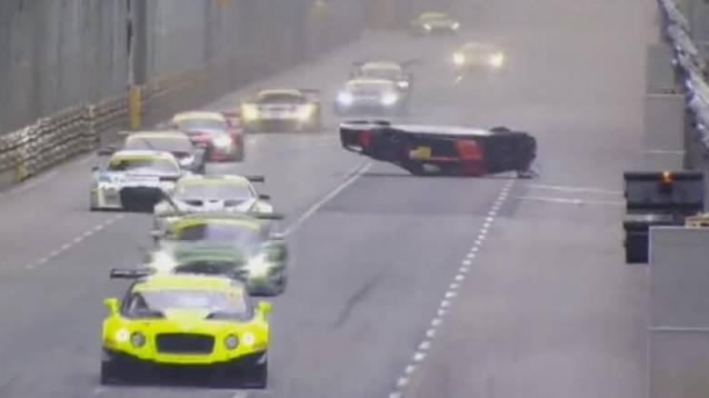 Το σοκαριστικό ατύχημα στο GT World Cup με την πιο απρόσμενη κατάληξη