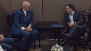 Μήνυμα Αλ.Τσίπρα στον Ε. Ράμα: Η εθνικιστική ρητορική δεν βοηθά στην πρόοδο των διμερών σχέσεων