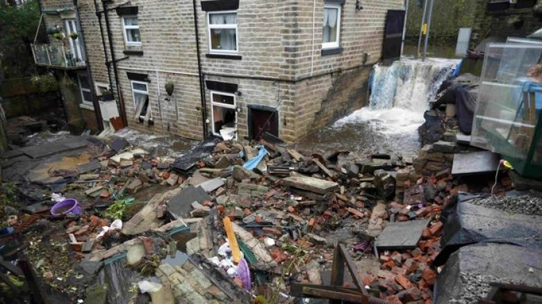 Βρετανία: Μία νεκρή από ακραία καιρικά φαινόμενα