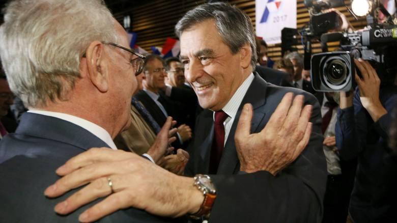 Γαλλία δημοσκόπηση: επικράτηση Φιγιόν για το χρίσμα της κεντροδεξιάς