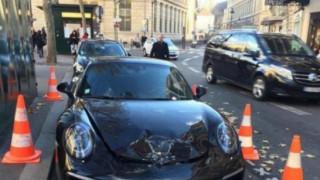 Παριζιάνος άφησε την Porsche του σε πιάτσα ταξί και η αστυνομία την ανατίναξε