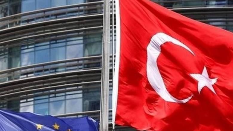 Απορρίπτει το «πάγωμα» των ενταξιακών διαπραγματεύσεων η Άγκυρα