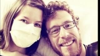Η 29χρονη που είναι η αλλεργική σε όλα, ακόμα και στον άντρα της (Vid)
