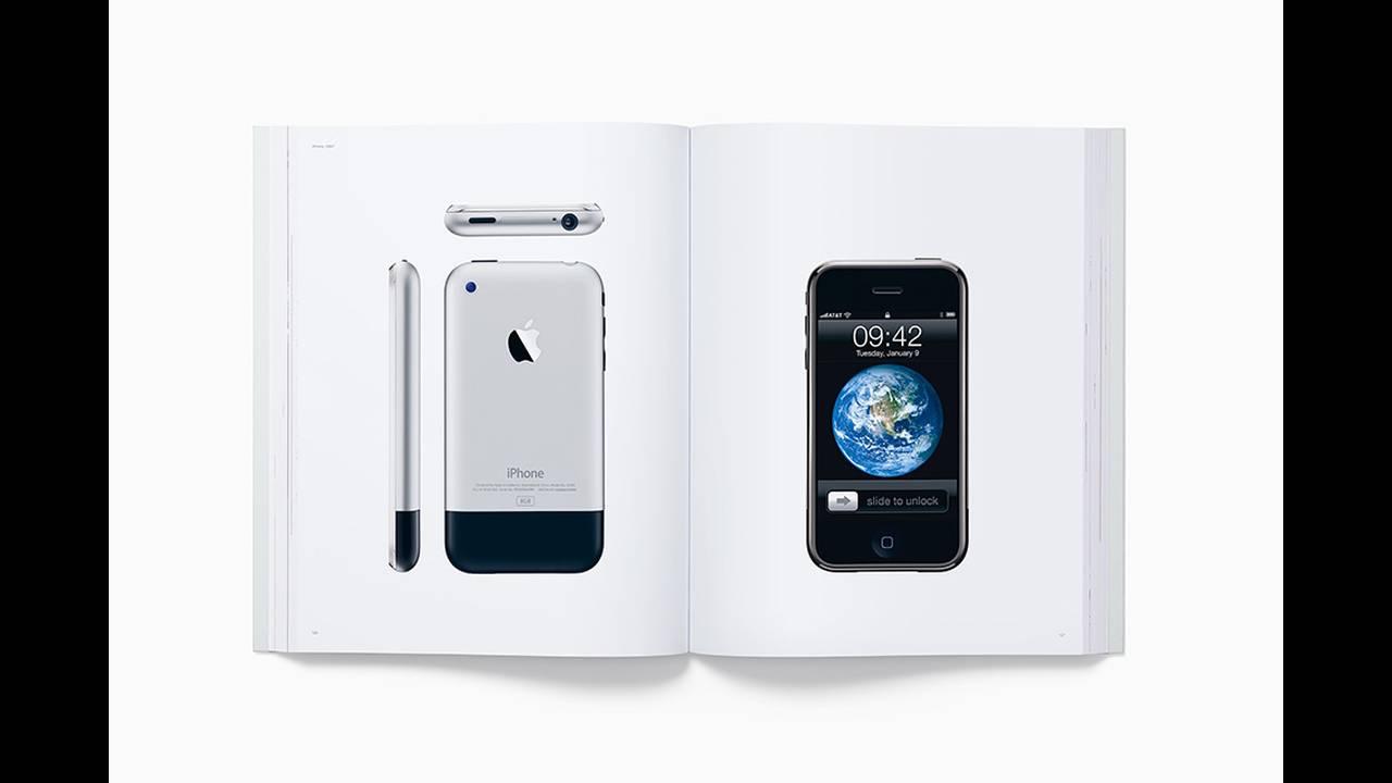 https://cdn.cnngreece.gr/media/news/2016/11/25/56016/photos/snapshot/designed-by-apple-in-california-book-3.jpg