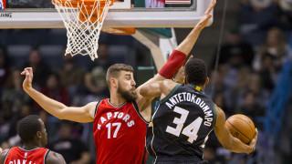 "NBA: ο Αντετοκούνμπο ""πέταγε"" αλλά οι Μπακς έχασαν από το Τορόντο"