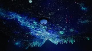 Ζωγράφος μεταμόρφωσε το δωμάτιο ενός τετράχρονου σε έναστρο ουρανό!