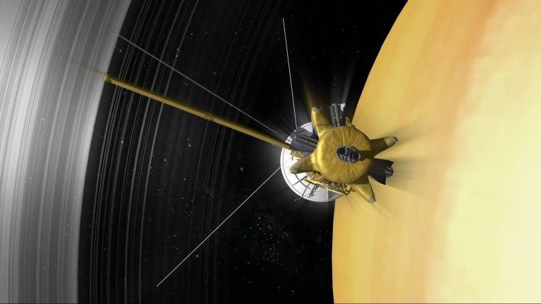 Το Cassini ετοιμάζεται για τις πιο κοντινές «βουτιές» στον Κρόνο