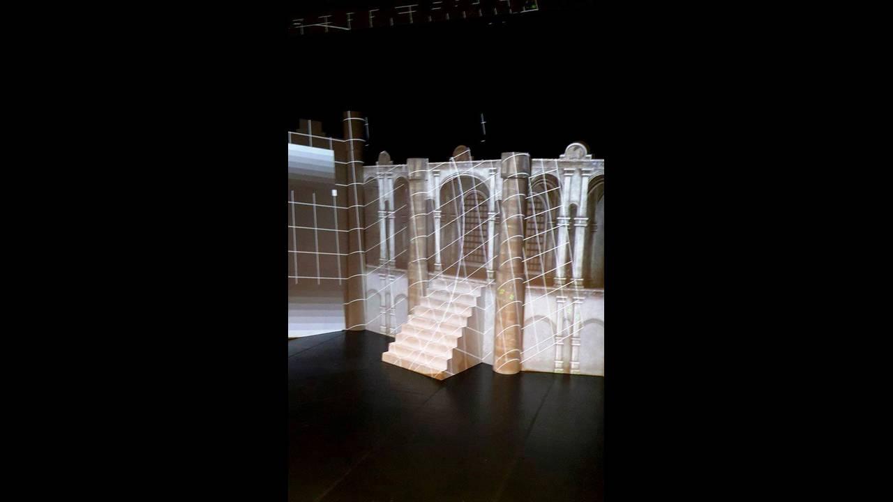https://cdn.cnngreece.gr/media/news/2016/11/27/56283/photos/snapshot/And-Juliet--backsatge-3.jpg