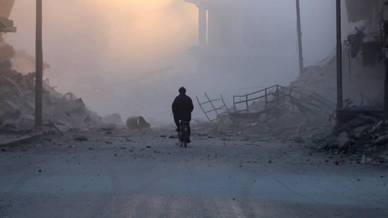 Οι άμαχοι εγκαταλείπουν το Χαλέπι