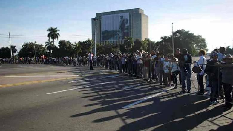 Κούβα: 21 κανονιοβολισμοί στη μνήμη του Φιντέλ Κάστρο