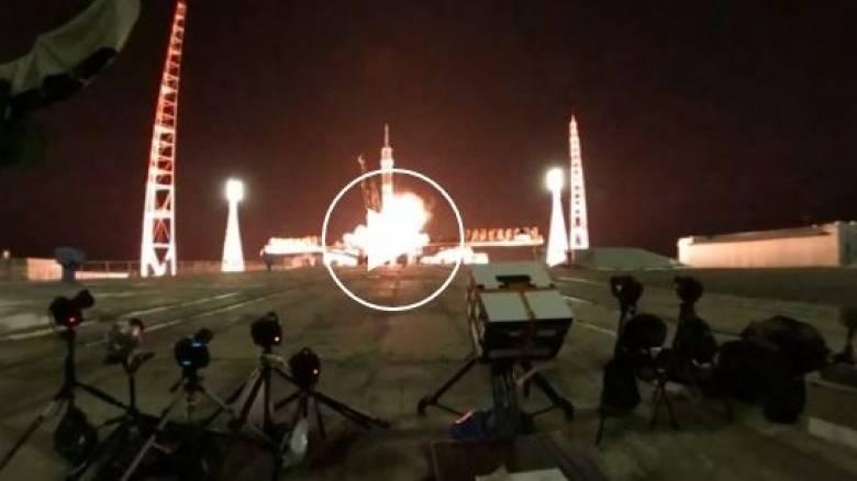 Η Ρωσία κατασκευάζει υπερ-πύραυλο για τη δημιουργία βάσης στο φεγγάρι